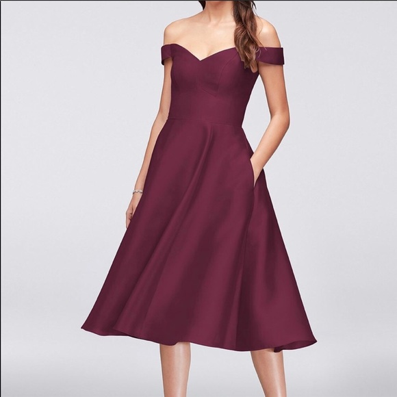 bb2183d547e5 Wine off the shoulder midi dress